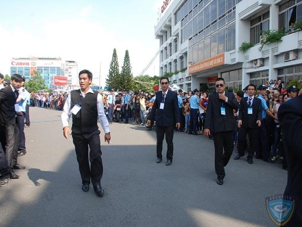 Dịch vụ bảo vệ sự kiện: Bảo vệ Kim Jae Joong tại sân bay Tân Sơn Nhất