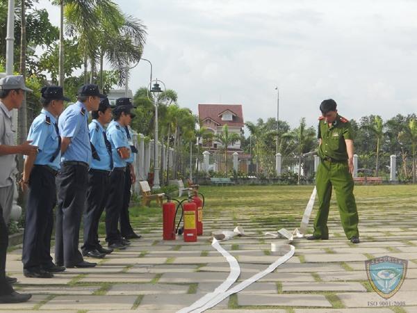 Đào tạo nâng cao nghiệp vụ phòng chống cháy nổ tại Công an Thành phố Hồ Chí Minh